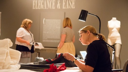 Behind the Seams: De-Installation of Elegance and Ease
