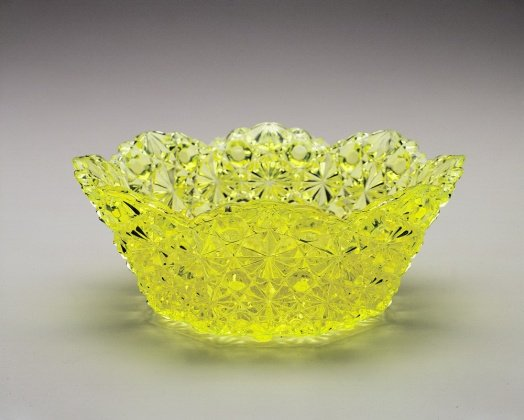 """""""Daisy and Button"""" Bowl"""